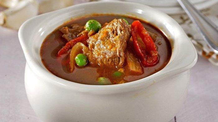 Enggak Ada Kata Malas Makan Kalau Resep Daging Kuah Tomat ini Tersaji di Meja Makan!