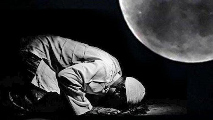 Lengkap dengan Lafal Zikir Bacaan Doa setelah Salat Tahajud & Niat yang Dibaca